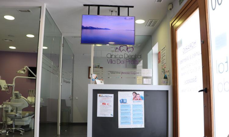 entrada-clinica-dental-mentrisalud-villa-del-prado