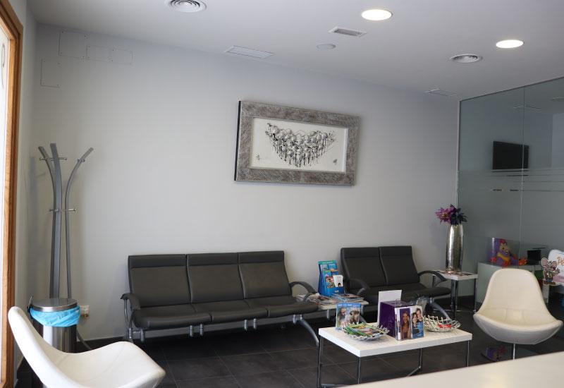 Clínica dental Mentrisalud | Villa del Prado | Sala de espera