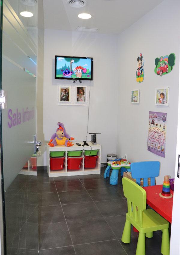 Clínica dental Mentrisalud | Villa del Prado | Sala infantil